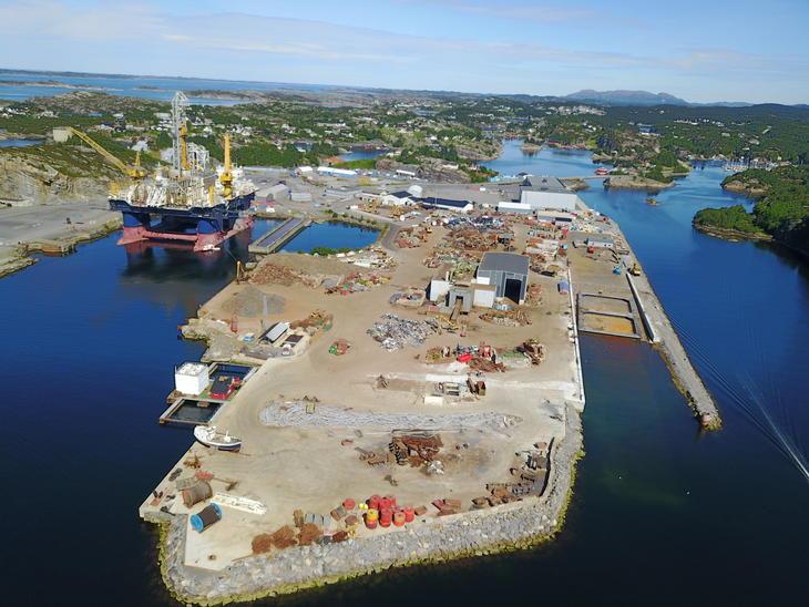 Opphugging av skip og maritime konstruksjoner
